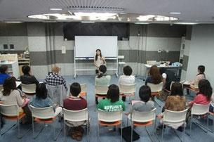 2014年福岡心理セラピューティックコースの講座の様子